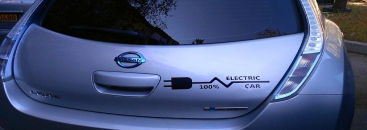 Nissan offers first-generation Leaf EV batteries a new lease on life as robot assistants