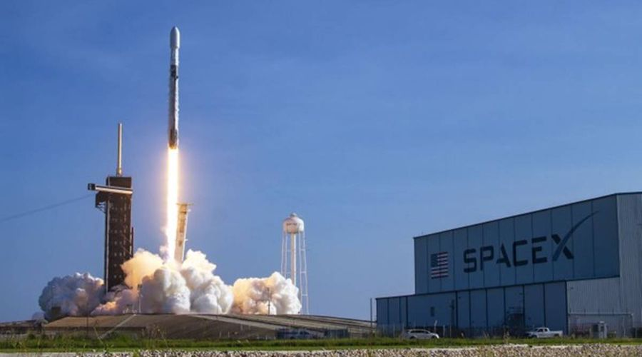 SpaceX launches 60 High-speed Internet satellites